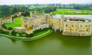 Leeds-Castle-in-UK_Aerial-view_4695