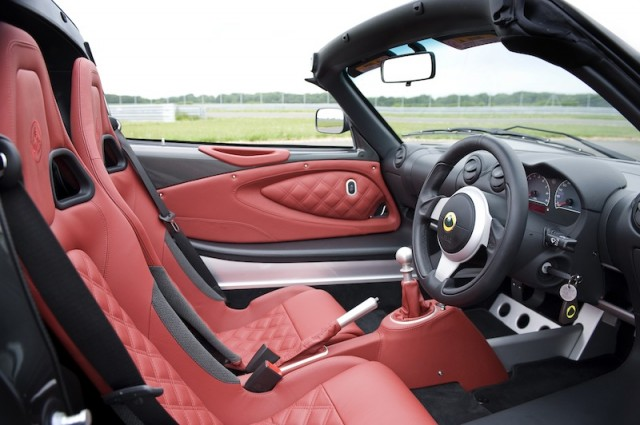 The familiar Elise interior is lifted a little by the addition of the Premium Pack